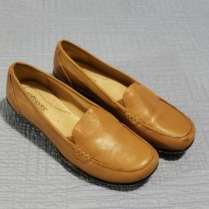 SOFTSPOTS LEATHER SLIP ON SHOES SIZE 8 1/2 M *WOW*